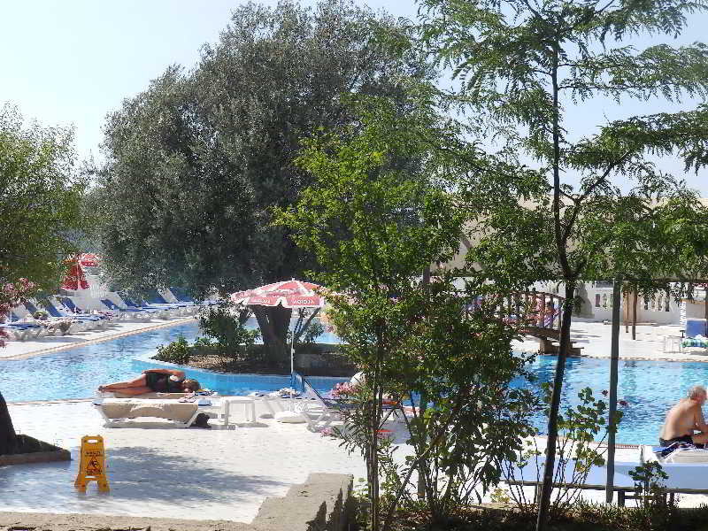 Sunshine Holiday Resort at the Sunshine Holiday Resort