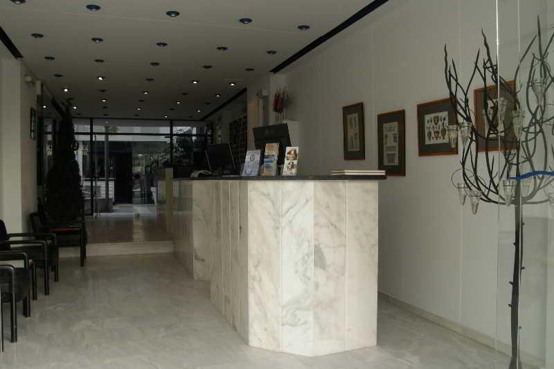 Kassavetis Studios & Apartments
