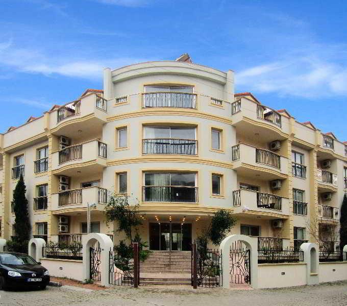 Club Karakas Apart at the Club Karakas Apart
