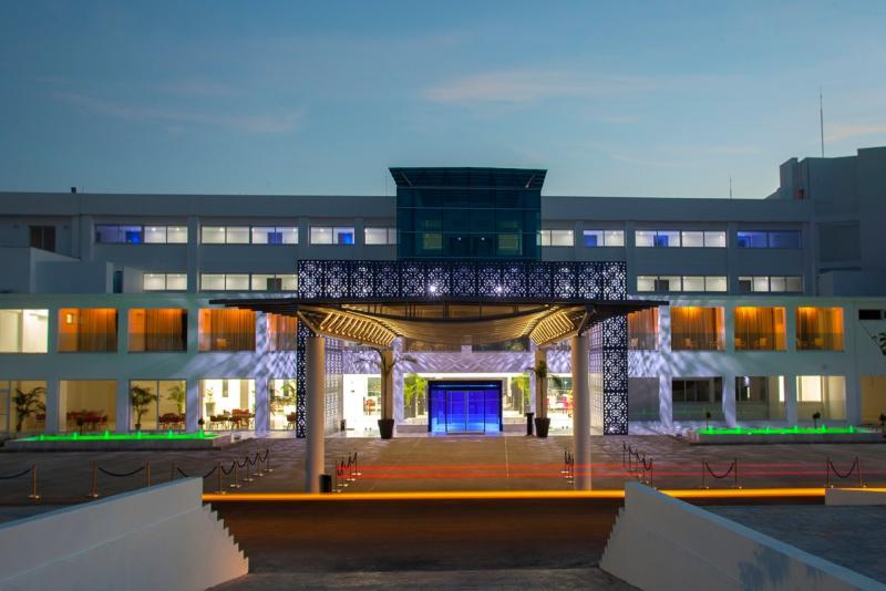 King Evelthon Beach Hotel & Resort at the King Evelthon Beach Hotel & Resort
